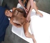 Uma massagem muito alegre
