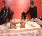 Una festa sensuale e scatenata