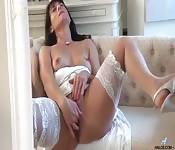 Mamuśka dotyka się aż do orgazmu