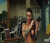 Christy Mack prend en charge