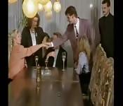 Fiesta de oficina con zorras cachondas