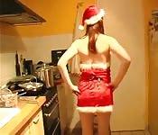 Ma copine habillée comme Mme Claus