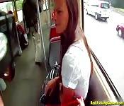 Baise avant de descendre du bus