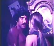 Homme baise deux salopes