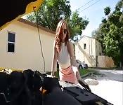 Ajudando uma ruiva gorda