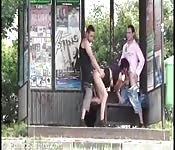 Spektakulärer Dreier auf der Straße