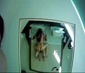 Una bella scopata nella stanza degli specchi
