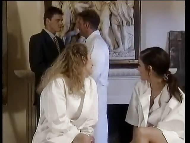 Gran culo zorra desde espana en pantalones cortos ajustados 4