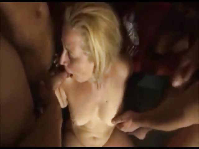 Vdeos porno Mature Gangbang Pornhubcom