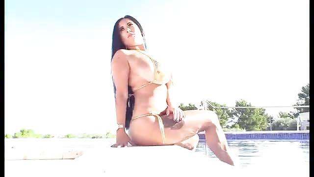 Teta sexo en la piscina
