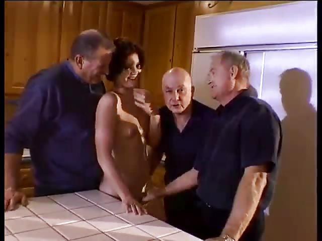 Sexo de oficina con mujeres mayores encantadoras