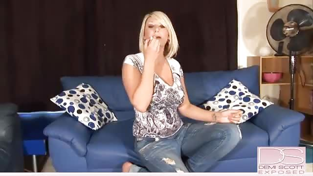 Blonde Sammi Daniels slowly takes off her clothes and masturbates  206884