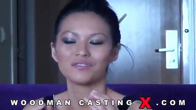 Sexo anal caliente con dos mamacitas penetradas con