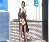 Una holandesa se masturba en público