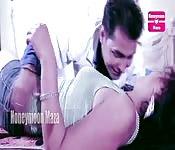 Una coppia indiana seducente