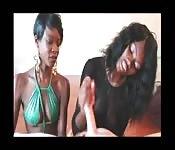 Von schwarzen Girls befriedigt