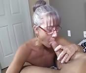 Abuelas calientes chupan pollones