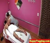 Un massaggio si trasforma in una chiavata