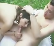 Super sexe sur l'herbe