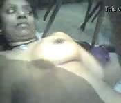 Una bocchinara indiana si fa penetrare la fichetta