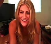 Rubia amateur follada en su webcam