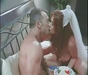 Braut wird heute Nacht tief in die Möse gepimpert