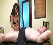 Massagista exótica e submissa
