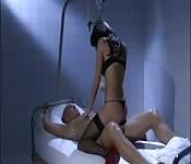 Uma enfermeira, vamos lá