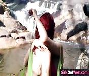 Lésbica novata fodendo depois de nadar
