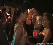 Masturbazione al College Party