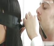 Les membres du conseil baisent à une conférence