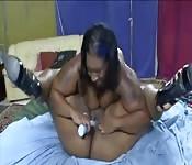 Gordas negras comiendo coño