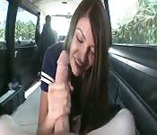 Buitengewone aftrekbeurt en pijpbeurt in een auto