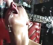 Madura rubia de pelo corto ama el sexo rudo