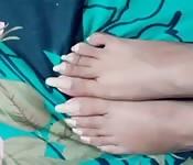 Indiana mostrando seus pés perfeitos