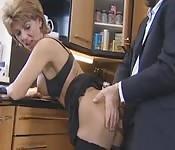Maman baisée dans la cuisine