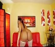 Stripper shows her stuff
