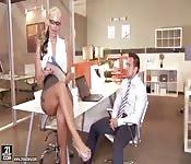 Regarder du porno au travail
