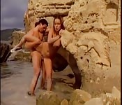 Couple so horny they fuck outsdie on the beach