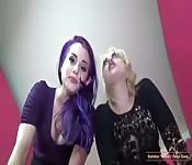 Lesbianas dando una clase