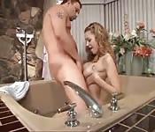 Seks w wannie