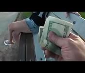 Tanti soldi in cambio di una scopata
