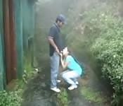 Casal adolescente de Mallu fazem uma rapidinha fora