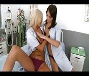 Infirmières lesbiennes