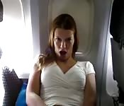 Masturbándose en un avión