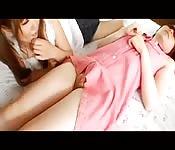 Lésbico con dos colegialas japonesas