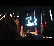 Masturbación en público sobre el escenario
