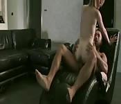 Fantastyczne pieprzenie na kanapie