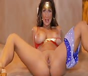 Wonder woman s'amuse seule