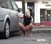 Loira quente em público